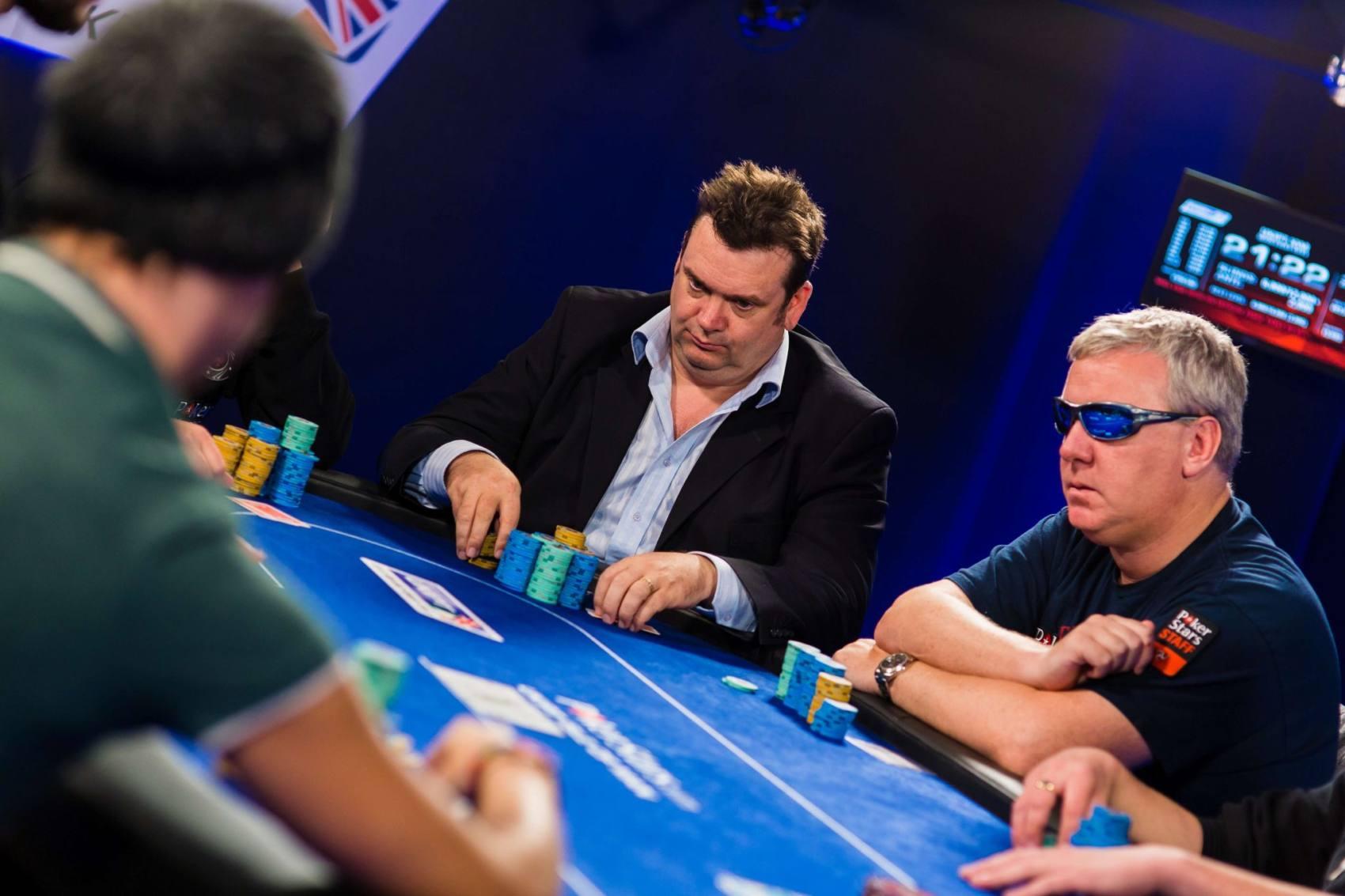 commentator me images near gambling